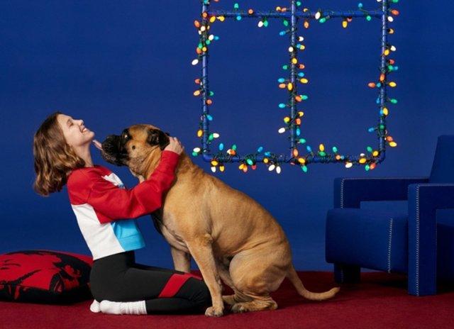 Міллі Боббі Браун знялася у святковому кампейні Calvin Klein - фото 294883
