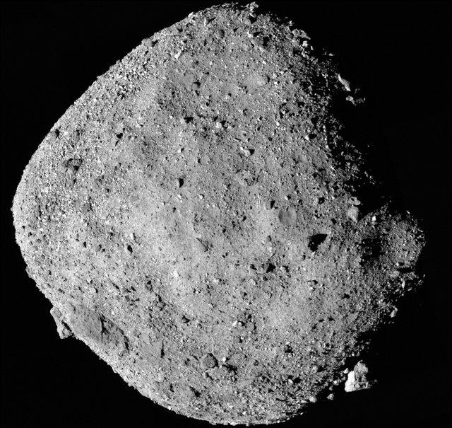 Науковці виявили сліди води на астероїді  - фото 294950