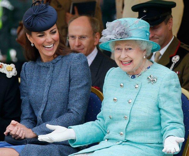 Єлизавета II критично пройшлася по Кейт Міддлтон - фото 295228