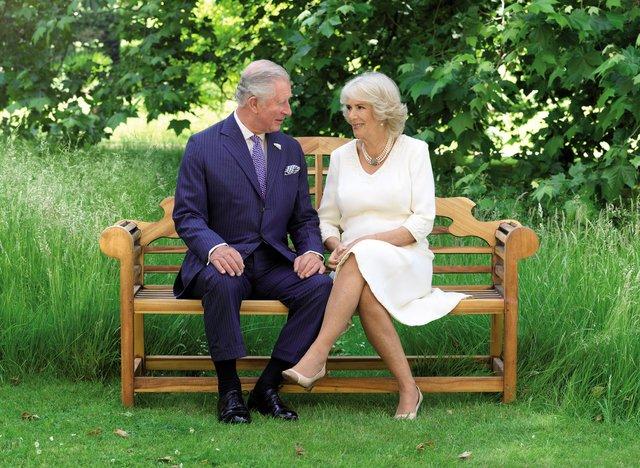 Принц Уельський Чарльз з дружиною Каміллою Паркер Боулз - фото 295253