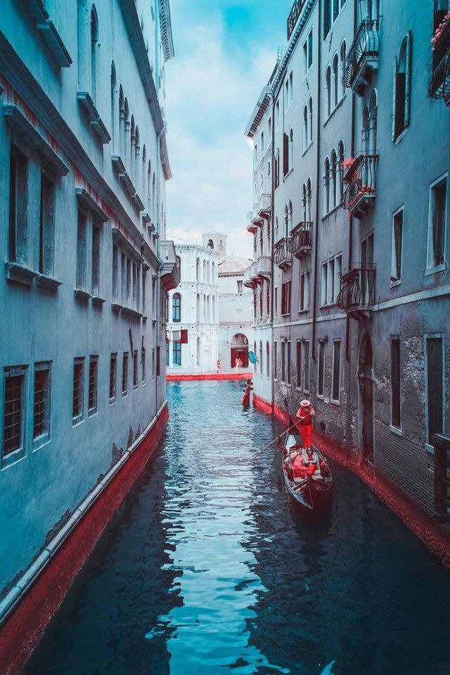 Наче в казці: італійський фотограф показує світ у незвичайних кольорах - фото 295522