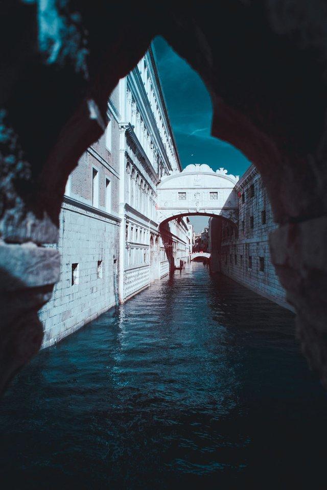 Наче в казці: італійський фотограф показує світ у незвичайних кольорах - фото 295533