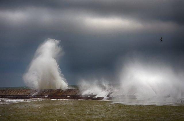 Зимовий шторм в Одесі: вражаючі фото - фото 295587