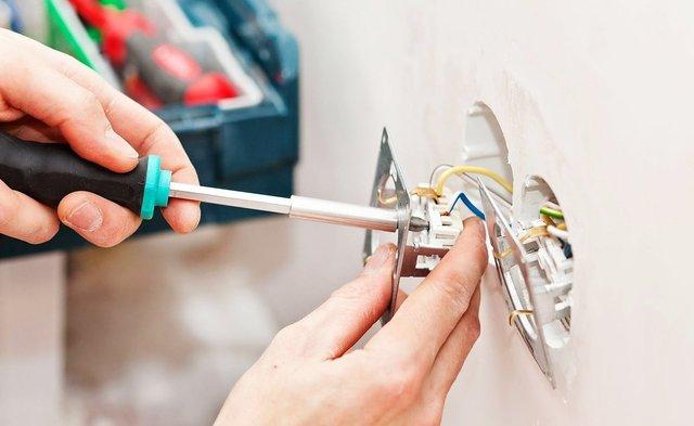 Будьте обережними з електрикою - фото 295814