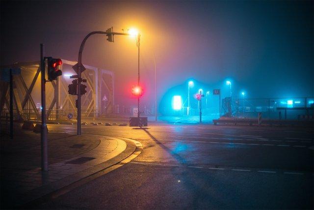 Ранковий Гамбург крізь туман: захопливі фото - фото 295980