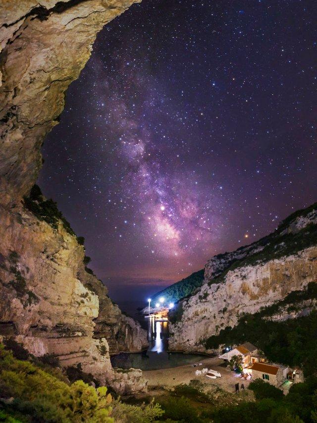Неймовірні фото Чумацького шляху у небі над Хорватією - фото 296035