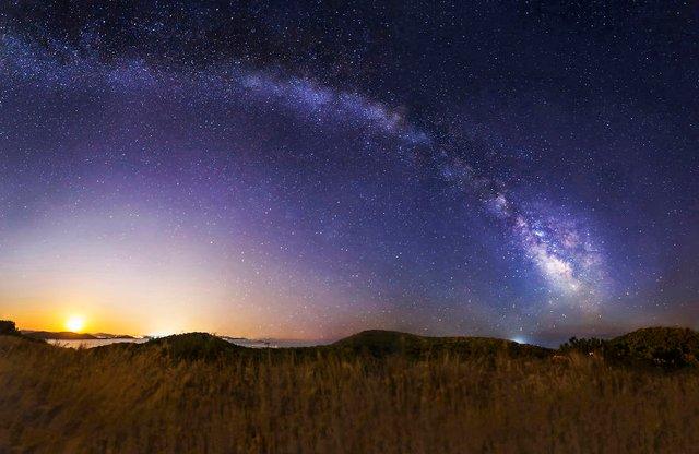 Неймовірні фото Чумацького шляху у небі над Хорватією - фото 296036