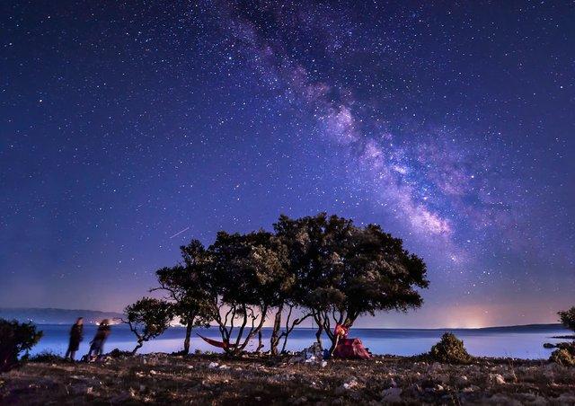 Неймовірні фото Чумацького шляху у небі над Хорватією - фото 296039