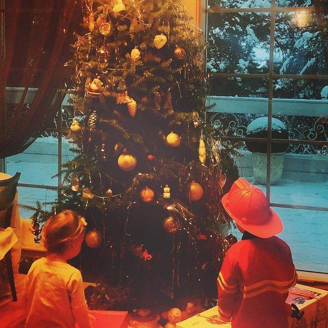 Оля Фреймут потішила сімейним різдвяним фото   - фото 296558