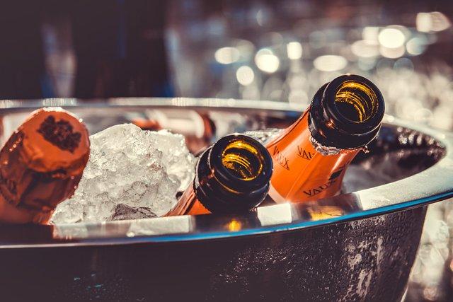 Помірне вживання алкоголю нікому не завадило - фото 296579