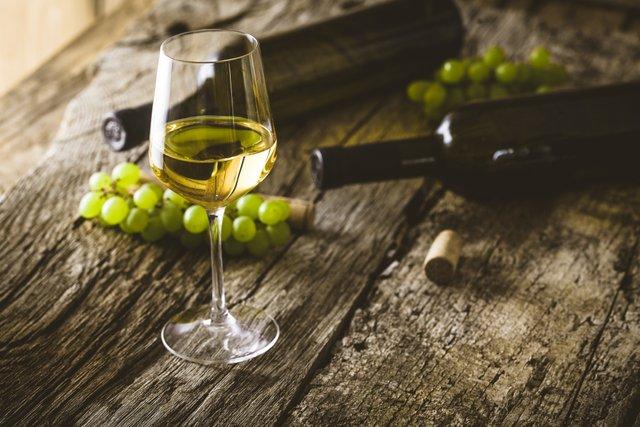 Віддайте перевагу білому вину - фото 296812