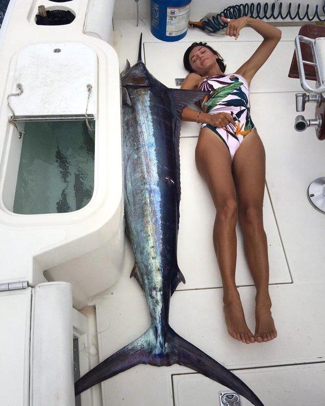 Аліна Астровська похизувалася неабияким уловом - фото 296851