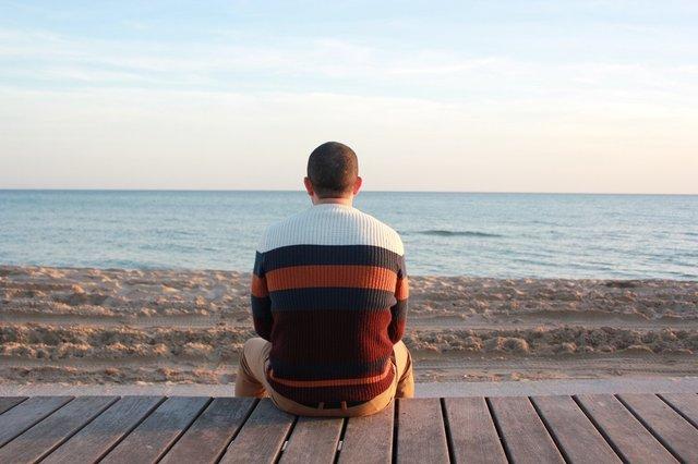 У віці 25-30 років самотність пов'язана з переоцінкою цінностей - фото 296901