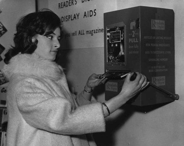 Так виглядали перші торгові автомати у США - фото 297136
