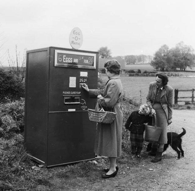 Так виглядали перші торгові автомати у США - фото 297137