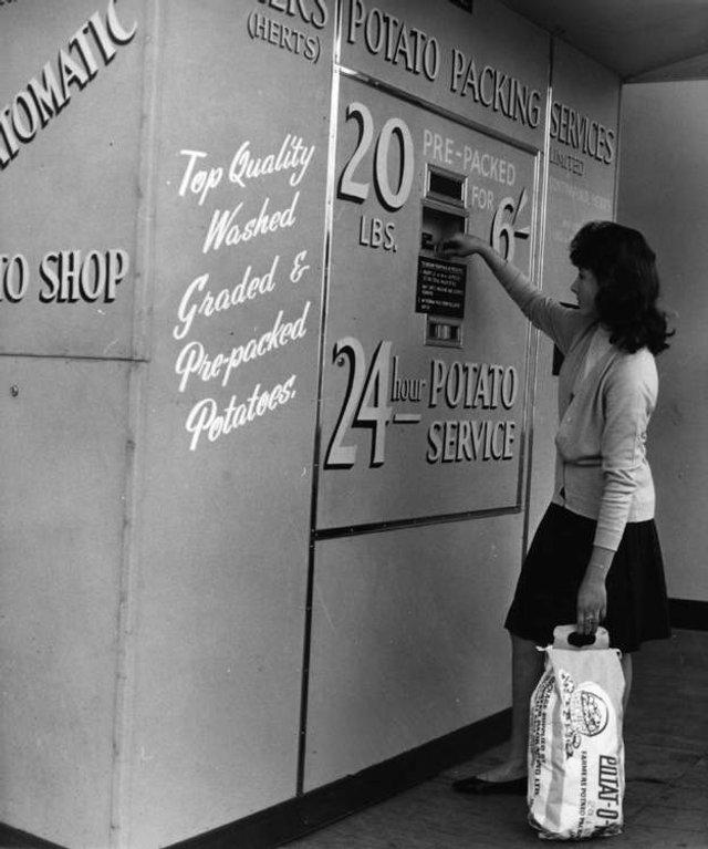Так виглядали перші торгові автомати у США - фото 297139