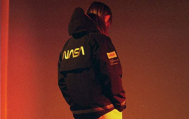 Українці створили колекцію одягу в колаборації з NASA - фото 297400