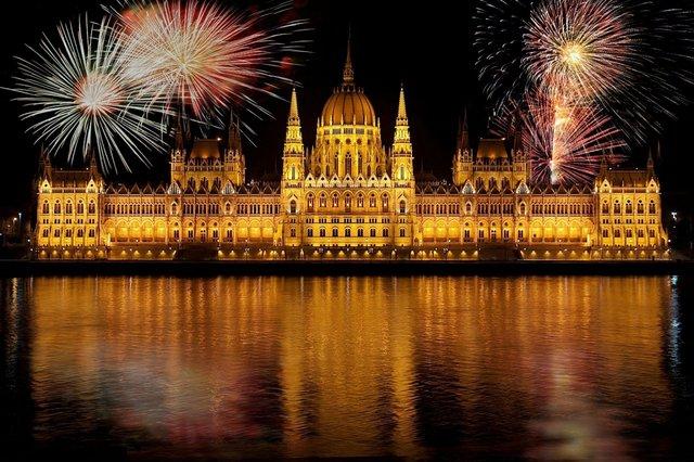 Найкращі новорічні тури на кілька днів: Новий рік 2019 в Європі  - фото 297419