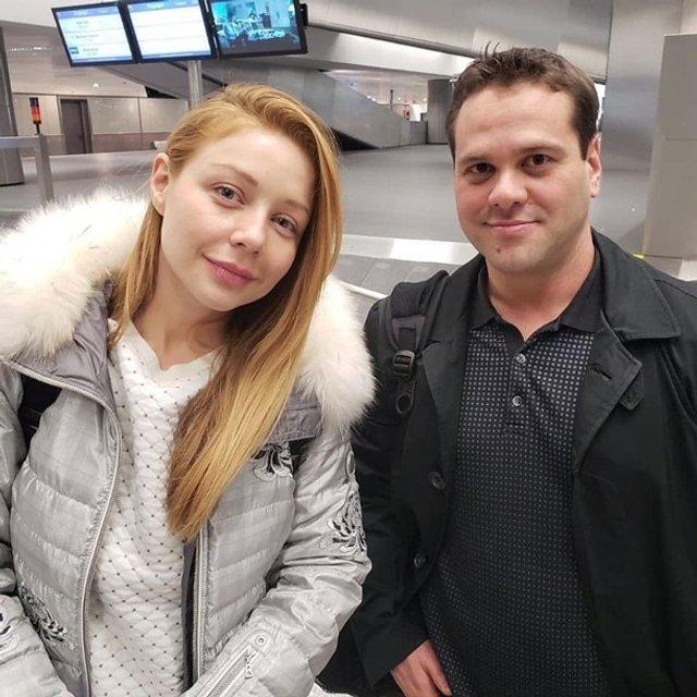 Тіну Кароль підловили в аеропорту без макіяжу - фото 297643