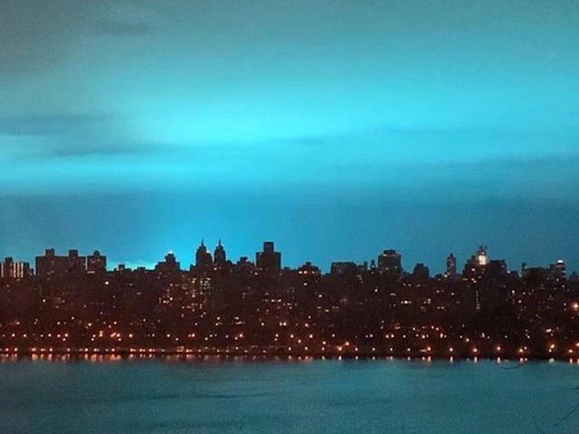 Американці помітили у небі незвичайне явище: фотофакт - фото 298049