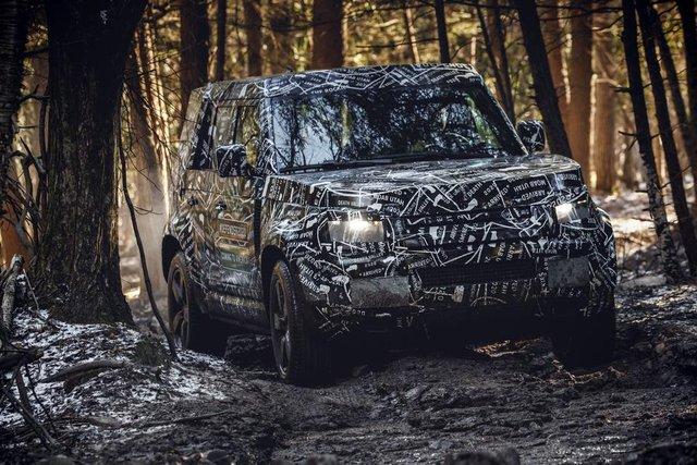 Тестування нового Land Rover Defender - фото 298215