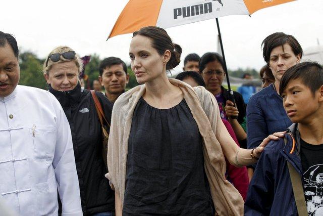 Анджеліна Джолі має намір йти в політику - фото 298295