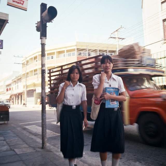 Як виглядали вулиці і жителі Таїланду 40 років тому - фото 298344