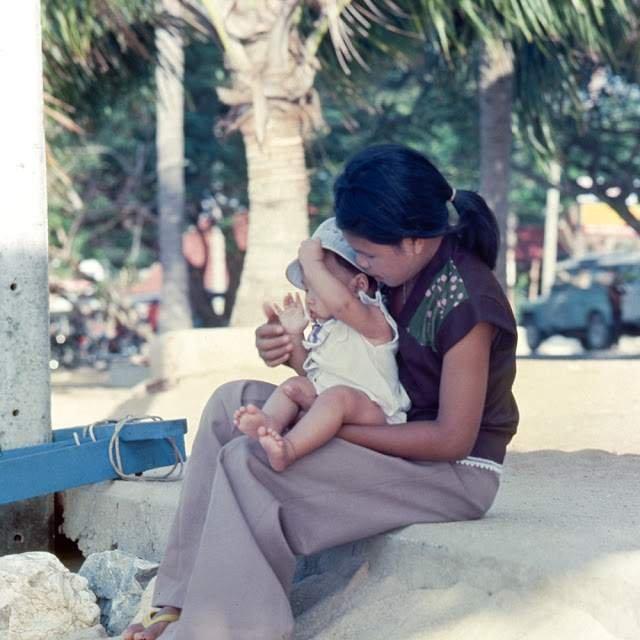 Як виглядали вулиці і жителі Таїланду 40 років тому - фото 298349