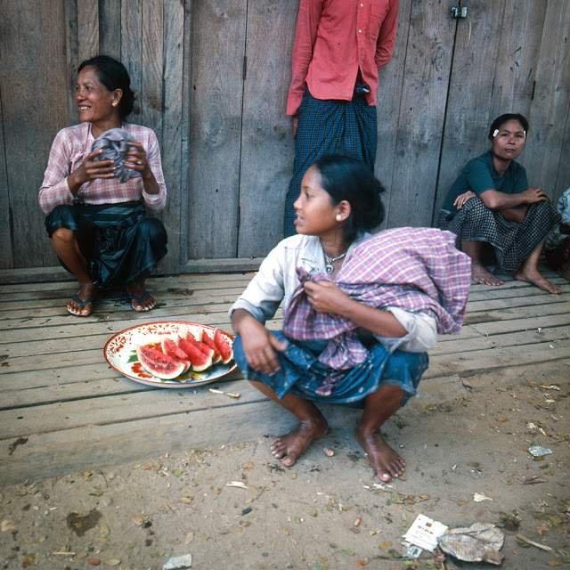 Як виглядали вулиці і жителі Таїланду 40 років тому - фото 298351