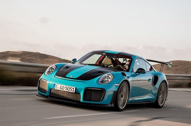 Porsche 911 GT2 RS - фото 298507