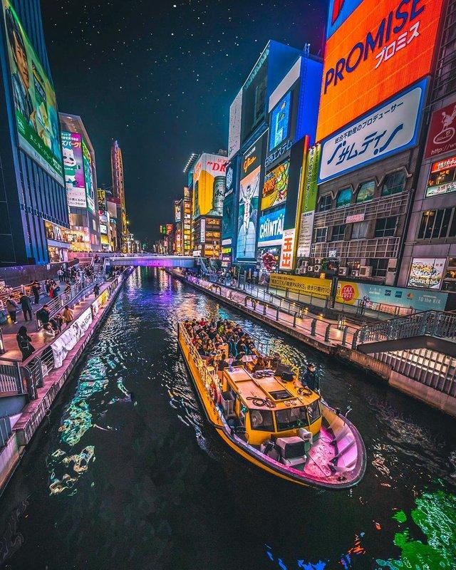 Захопливі вуличні фото Японії Такеші Хаякави, які заворожують - фото 298519