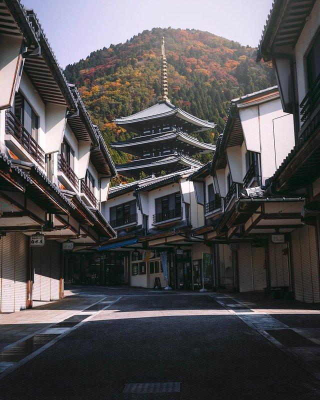 Захопливі вуличні фото Японії Такеші Хаякави, які заворожують - фото 298520