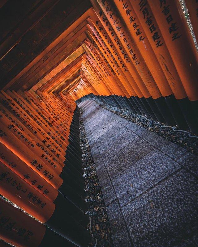 Захопливі вуличні фото Японії Такеші Хаякави, які заворожують - фото 298531