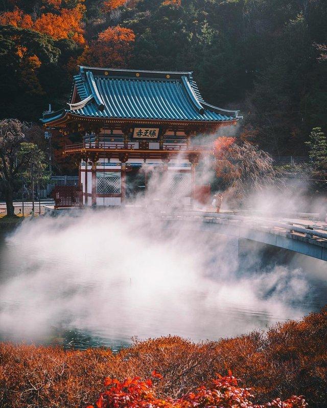Захопливі вуличні фото Японії Такеші Хаякави, які заворожують - фото 298534