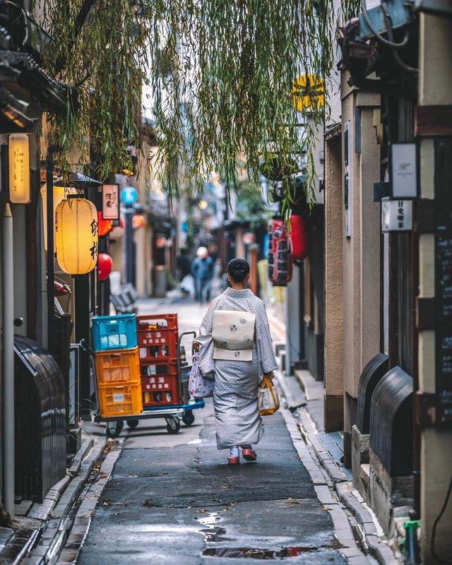 Захопливі вуличні фото Японії Такеші Хаякави, які заворожують - фото 298536
