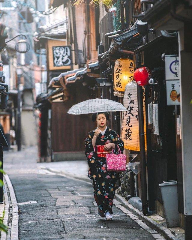 Захопливі вуличні фото Японії Такеші Хаякави, які заворожують - фото 298537