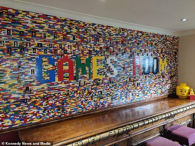 Сім'я витратила 10 місяців на те, щоб побудувати справжню стіну з Lego - фото 298557