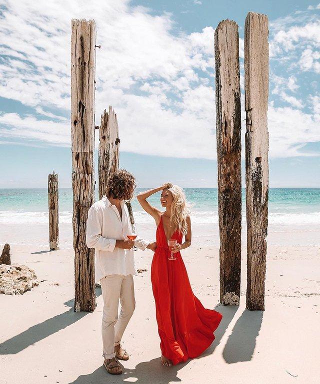 Пара мандрує Австралією на фургоні з вином: яскраві фото - фото 298723