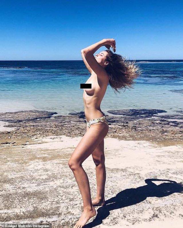 Ангел Victoria's Secret оголилася на пляжі Австралії - фото 298816