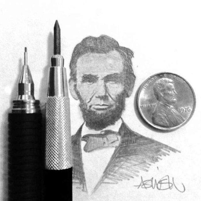 Американець створює мініатюрні малюнки з безліччю деталей - фото 299077