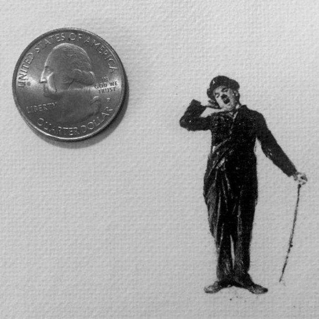 Американець створює мініатюрні малюнки з безліччю деталей - фото 299080