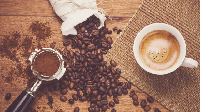 Не запасайте багато меленої кави - фото 299096