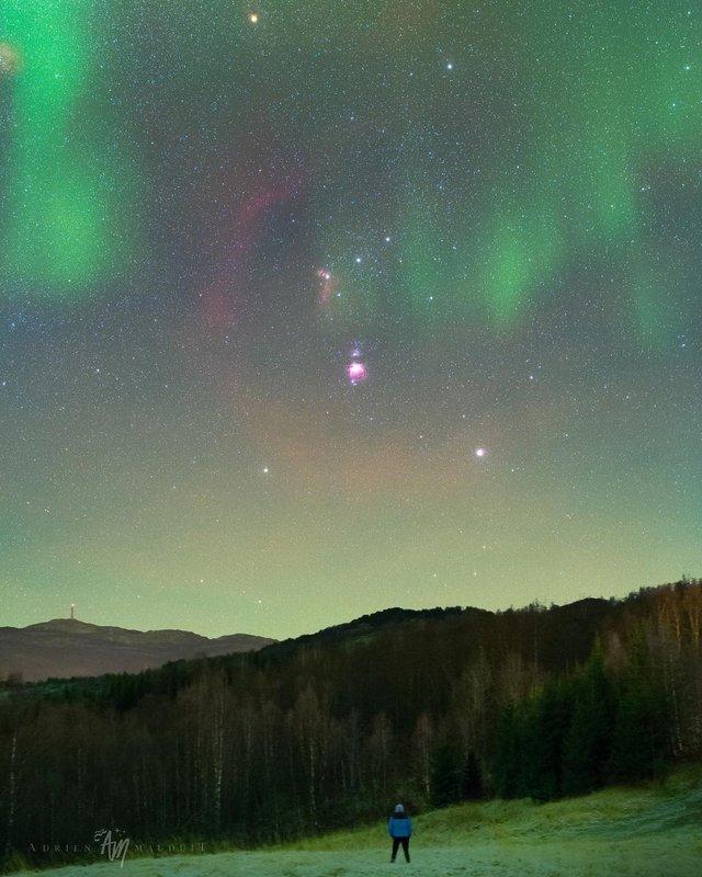 Неймовірна краса полярного сяйва: захопливі фото і відео - фото 299228