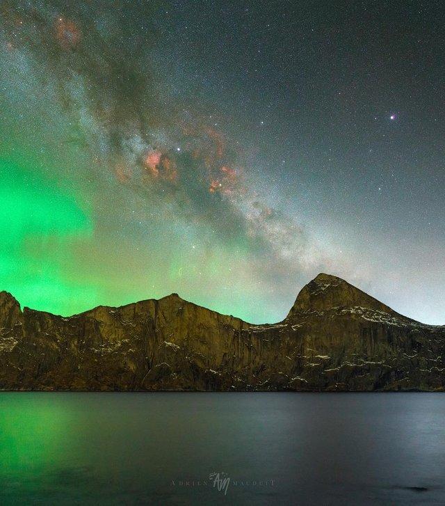 Неймовірна краса полярного сяйва: захопливі фото і відео - фото 299233