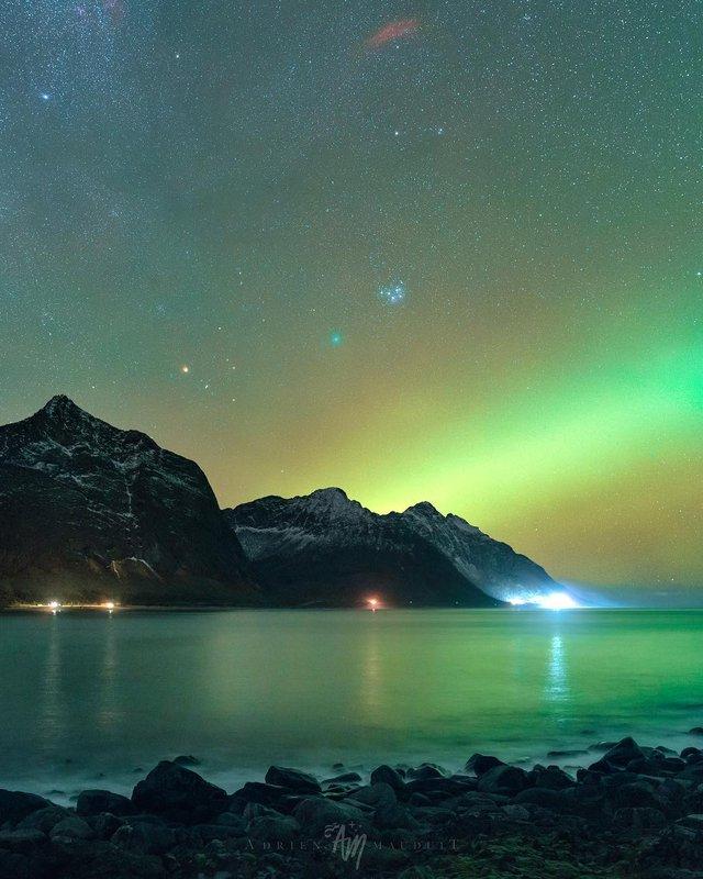 Неймовірна краса полярного сяйва: захопливі фото і відео - фото 299234
