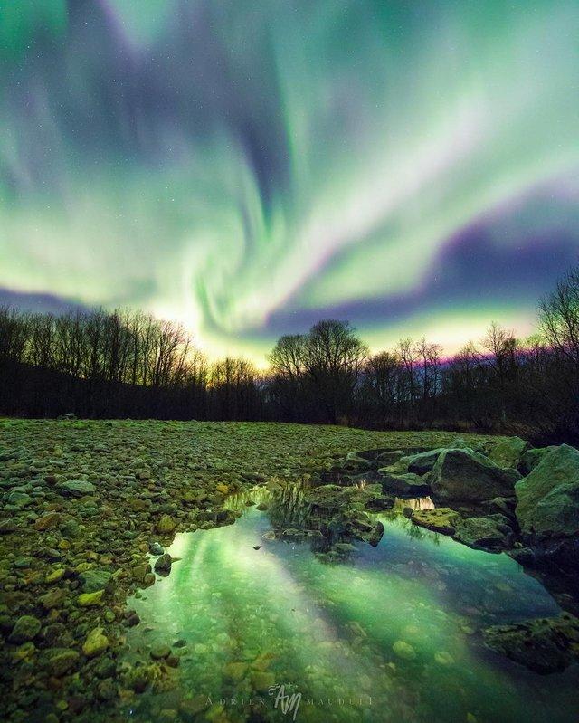 Неймовірна краса полярного сяйва: захопливі фото і відео - фото 299235