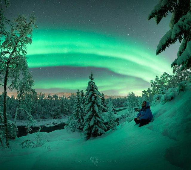 Неймовірна краса полярного сяйва: захопливі фото і відео - фото 299238