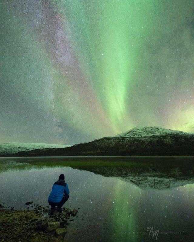 Неймовірна краса полярного сяйва: захопливі фото і відео - фото 299240