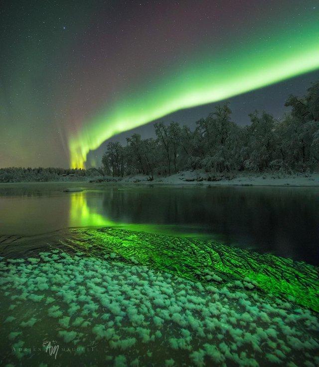 Неймовірна краса полярного сяйва: захопливі фото і відео - фото 299241