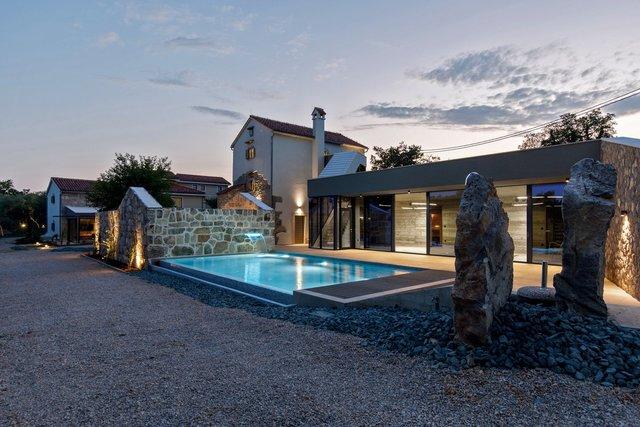 Ідеальний дім для родини у Хорватії: яскраві фото - фото 299346